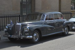 rolls-royce phantom vi(0.0), rolls-royce phantom v(0.0), bentley s2(0.0), mercedes-benz w120(0.0), rolls-royce silver cloud(0.0), bmw 501(0.0), mercedes-benz w111(0.0), automobile(1.0), vehicle(1.0), bentley s1(1.0), mercedes-benz(1.0), mid-size car(1.0), antique car(1.0), sedan(1.0), classic car(1.0), vintage car(1.0), land vehicle(1.0), luxury vehicle(1.0),
