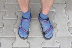 Jak nosit ponožky v sandálech