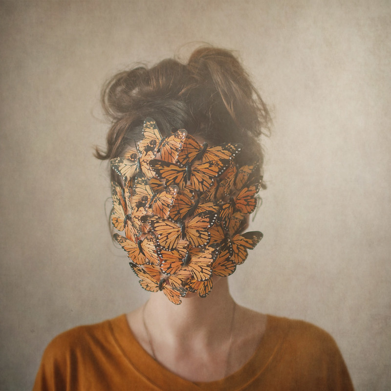Orange, or the return of the lady with the butterflies