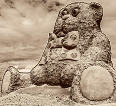 Huge Sand Teddy