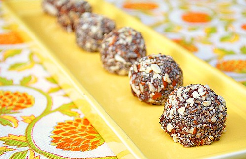 Chocolate Chia & Almond Bites