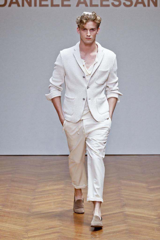 SS13 Milan Daniele Alessandrini006_RJ King(fashionising.com)