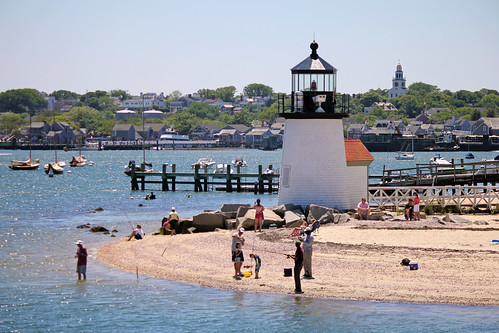 Brant Point Lighthouse by nelights