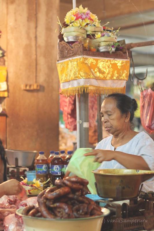 Seller @ Badung Market, Denpasar, Bali