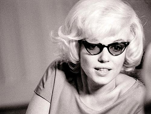 marilyn-monroe-glasses-sexy-hollywood-icon-thesuiteworld_large