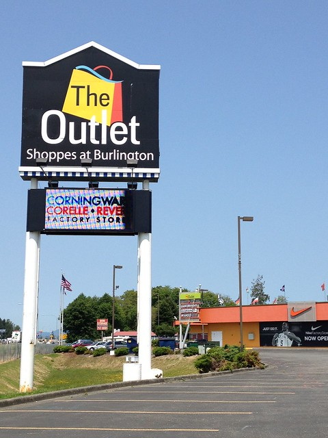 The Outlet Shoppes at Burlington My observations: Located right off the Interstate 5 freeway. A small selection of stores are here at this outlet mall in Burlington, Washington. Approximately 30 stores here.3/5(17).