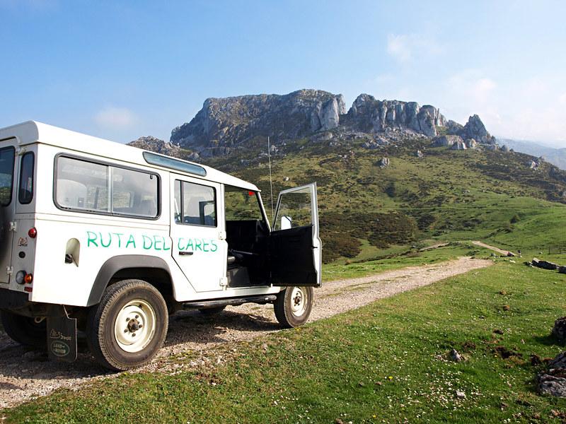 Landrover in Picos de Europa, Asturias