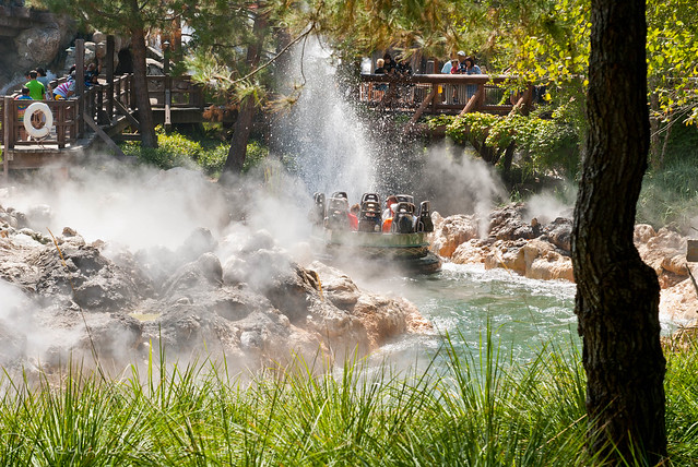 Grizzly River Run - Disney California Adventure