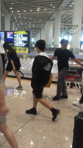 Big Bang - Beijing Airport - 05jun2015 - Tae Yang - SUNANDUS - 02