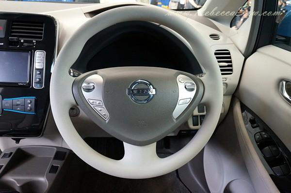 nissan leaf - all electric car-018