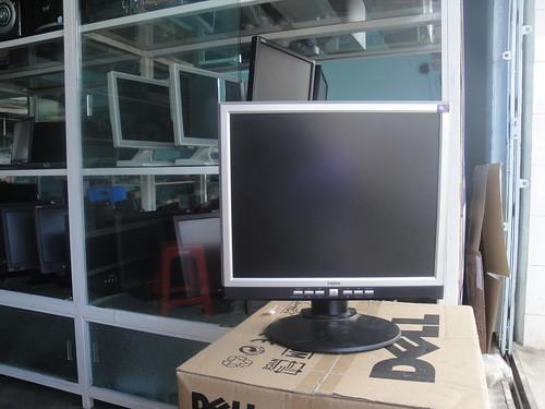 LCD nhiều loại, hàng chất lượng, giá siêu rẻ 7141522311_7b5bea0cb5