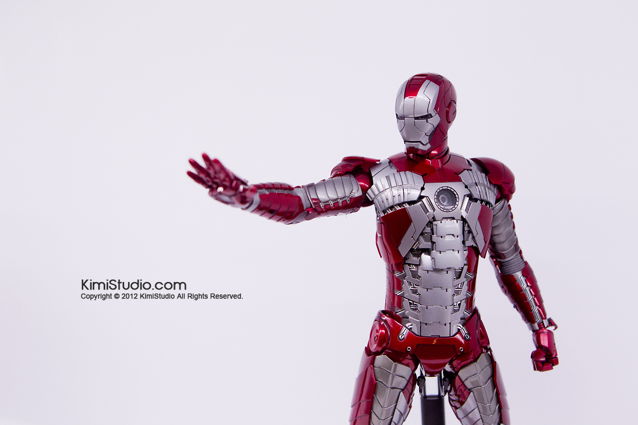 2011.11.12 HOT TOYS-062