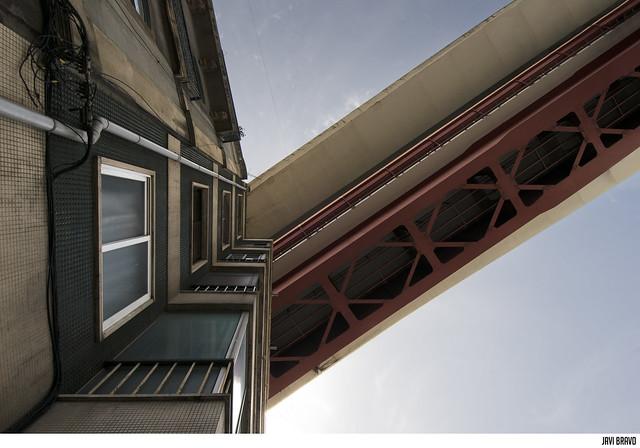 Inserção Ponte 25 de Abril na cidade V