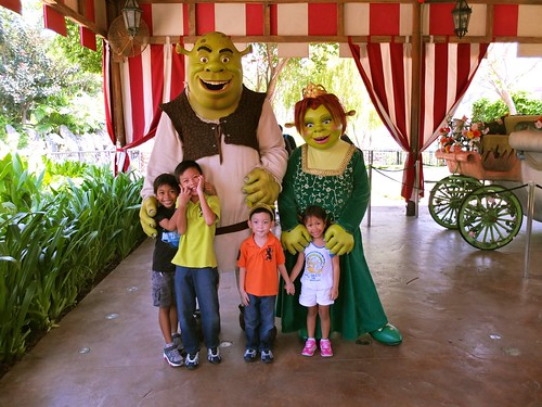 Shrek, Fiona and their offspring