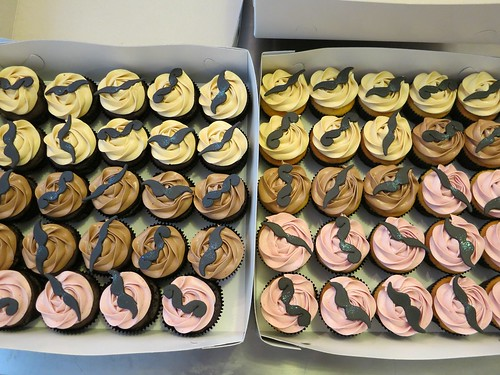 Mustache Cupcakes by CAKE Amsterdam - Cakes by ZOBOT