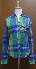 ブルーとグリーンのチェックシャツ