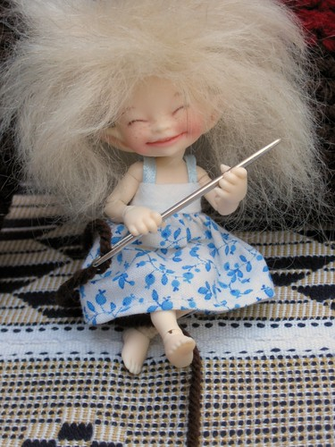Bobbin helps by elizabeth's*whimsies
