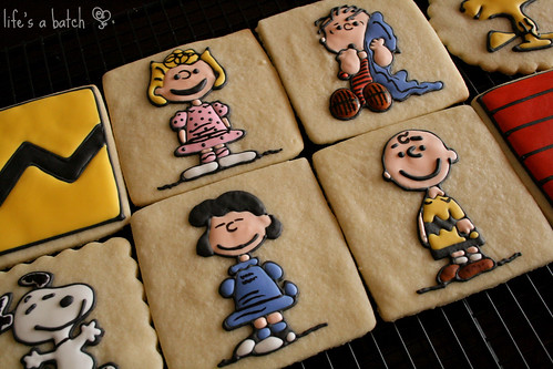 Peanuts Character Cookies.