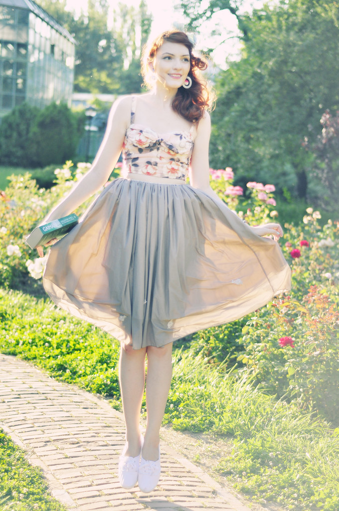 Retro_summer_outfit_whimsical