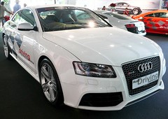 Audi A5 Coupe 4.2 V8 RS5 white 2011 vr