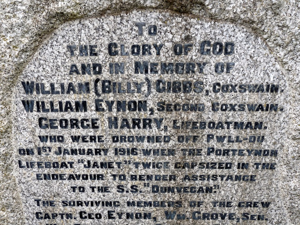 11716 - Dunvegan Memorial, Port Eynon