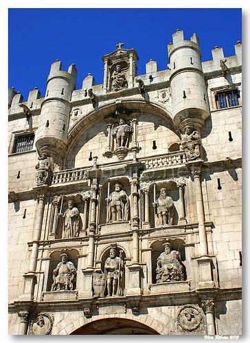 Arco de Santa Maria #2 by VRfoto