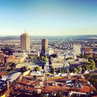 La scène des plaines du #feq avec la haute-ville de Québec #defiballonbl