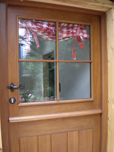 Red Gingham Blind