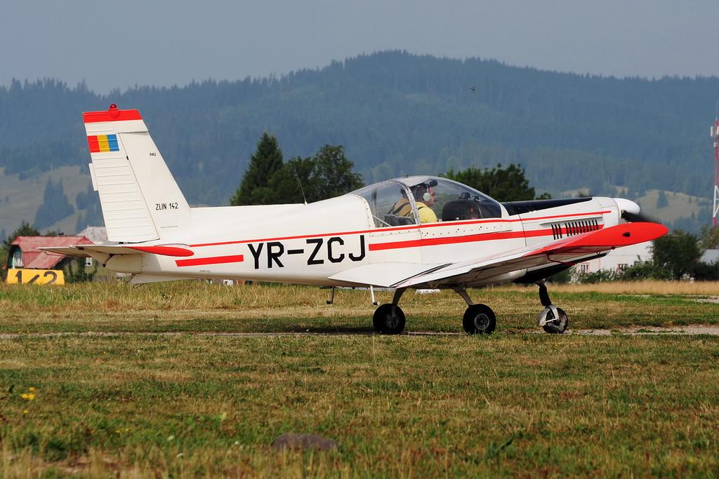 Fly-in @ Floreni - Mitingul cailor putere - Poze 7677976986_9fe3c9deda_o