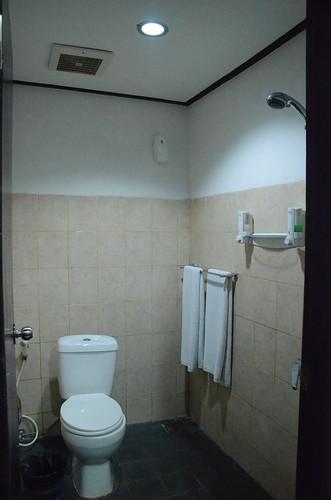 Legian Guest House Roomorama3