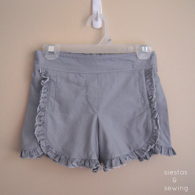 Gray Class Picnic Shorts with Ruffles