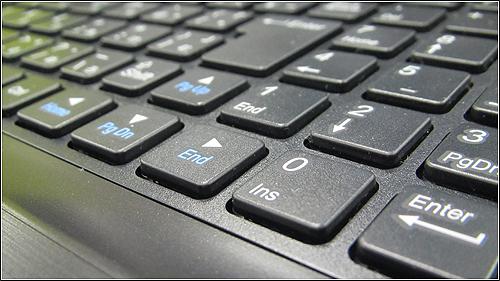マウスコンピュータから1kgを切るウルトラブック「LuvBook X シリーズ」登場!!