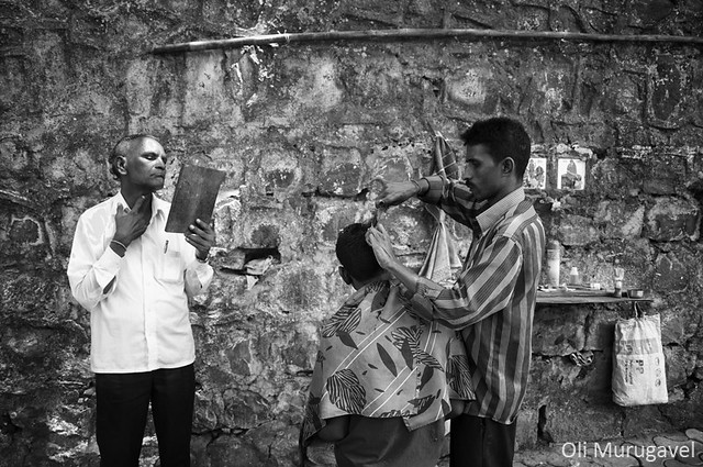 Colaba street walk, Mumbai - 35 Fantastic Black and Whiite Street Photographs