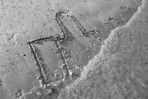 """Ho scritto """"I like it"""" sulla sabbia"""