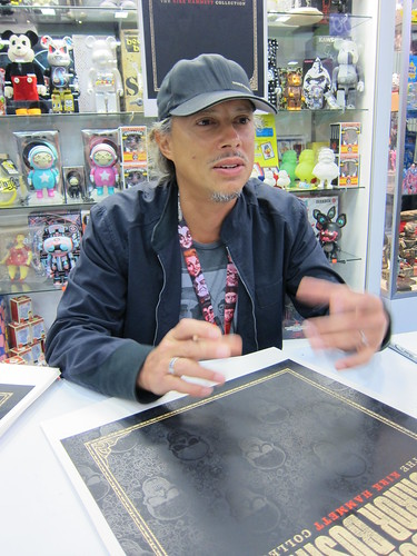 Kirk Hammett Signing