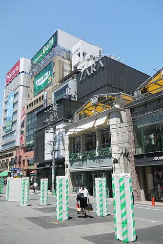 新宿 新南口 ZARA
