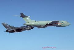 Victor K.2 XH672 55 Sqn refuelling Tornado GR.1B ZA474 'FF' 12 Sqn 23-09-93