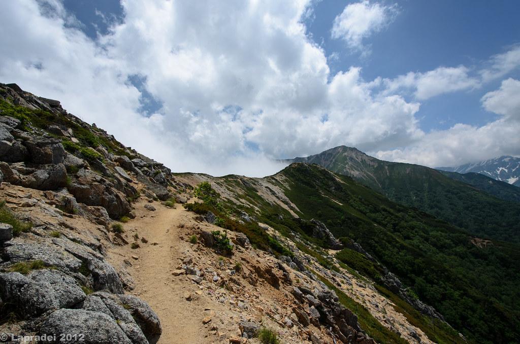20120728 大天井岳を臨む