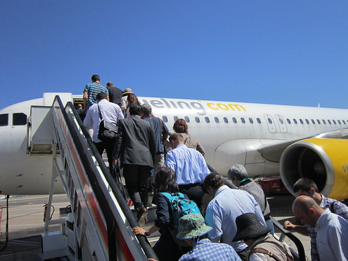 セビーリャ飛行場で搭乗する 2012年6月6日 by Poran111