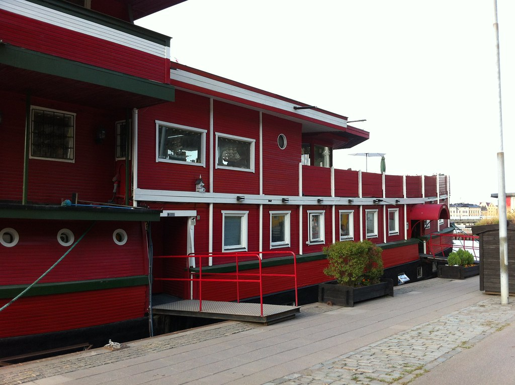 The Red Boat Mäleren Hostel