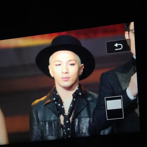 Taeyang-GoldenDisc-Awards-mainshow-20150114-Superyeol-3