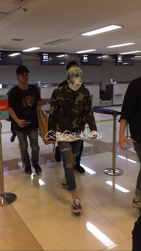 BIGBANG wout Seungri departure Seoul to Tokyo 2016-08-26 (10)