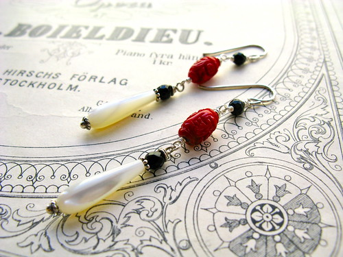 Roulette red earrings