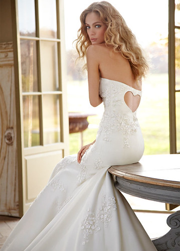 hayley-paige-bridal-strapless-fit-flare-silk-organza-embroidered-gown-scattered-flowers-sweetheart-gracie-6202_zm
