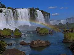 Cataratas con Arco Iris