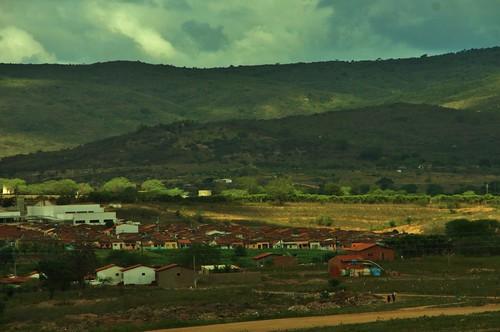 Cidade de Bezerros, uma parte rural e outra residencial