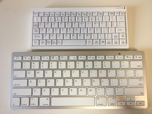 2台のキーボードを並べる