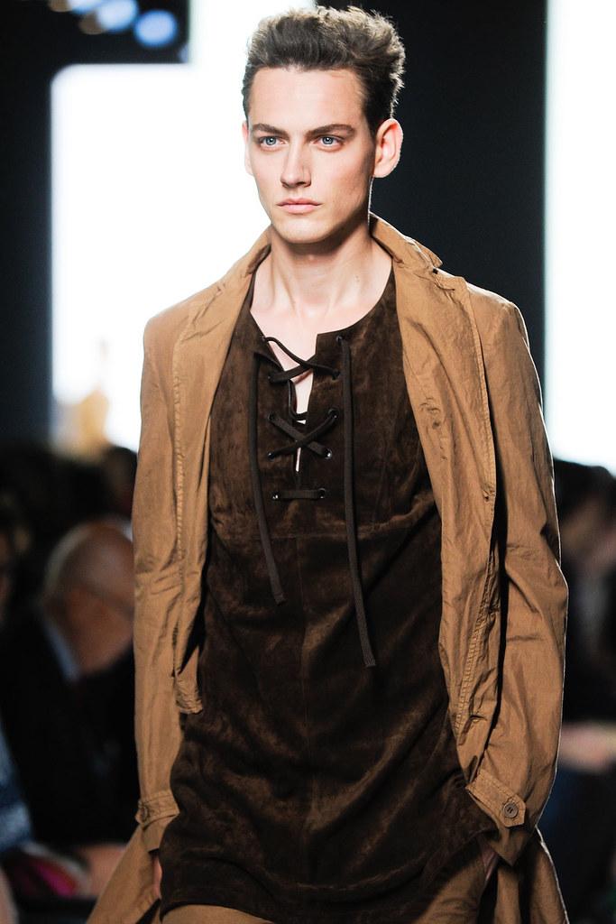 Jakob Hybholt4012_SS13 Milan Bottega Veneta(VOGUE)