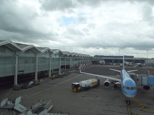 Birmingham Airport - planes - Thomson Airways
