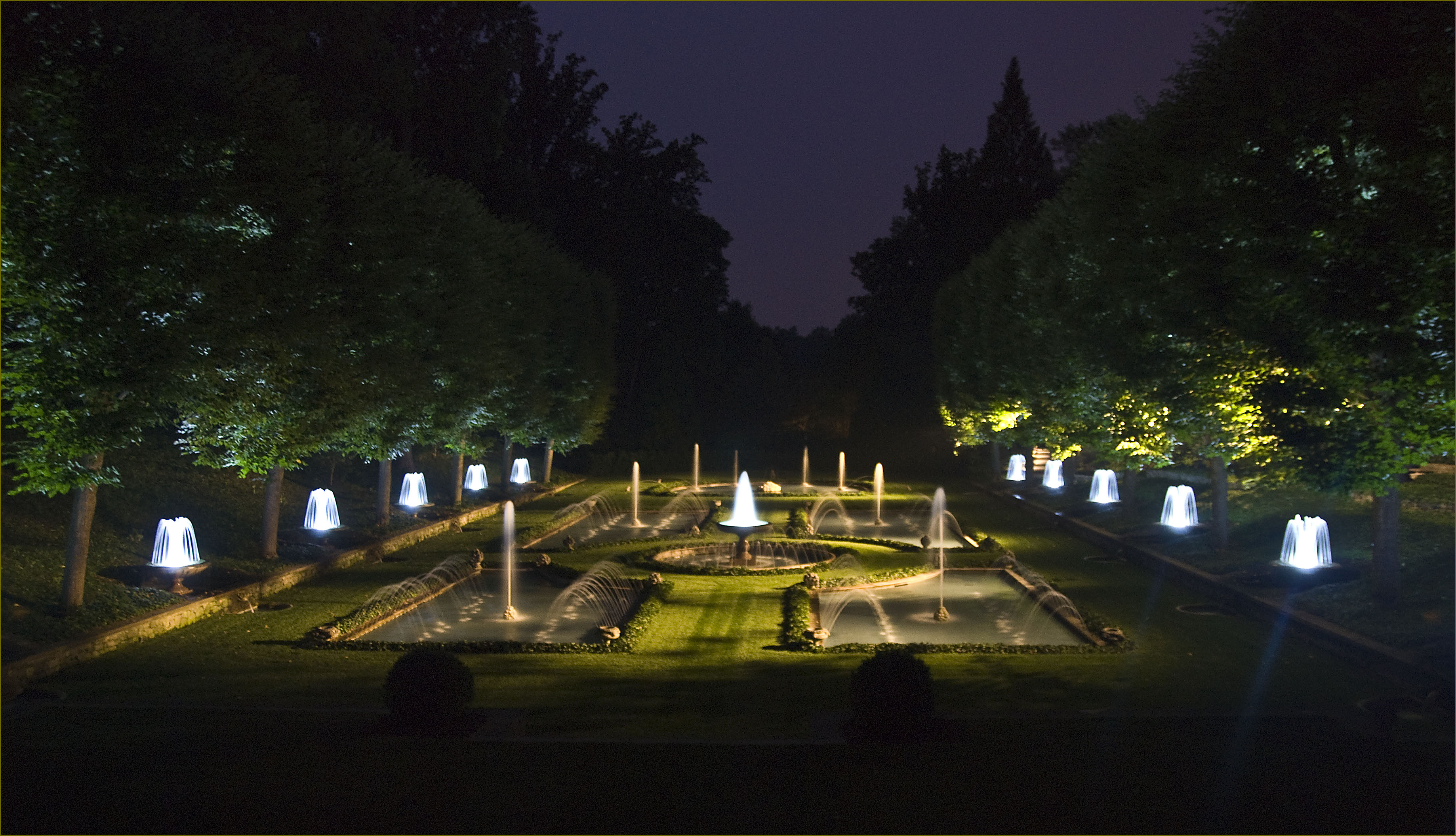 Italian water garden at night longwood gardens pa jun for Landscaping longwood